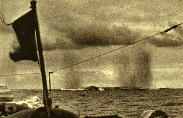 Navy also got involved from the first day in the battle - torpedo boats make their thrust against the Soviet fleet